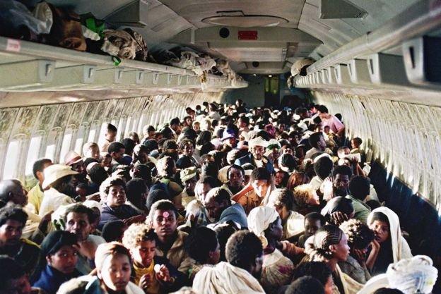Český spolek přátel Izraele Etiopští-Židé-na-palubě-belgického-letounu-707 Mossad stvořil falešné letovisko, aby zachránil tisíce Židů Historie Svět