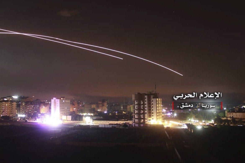 """Český spolek přátel Izraele Rakety-nad-syrským-Damaškem-1170x780 Íránské jednotky vypálily ze Sýrie rakety na území Izraele, ten neváhal a poslal odvetné """"pozdravy"""" Novinky"""