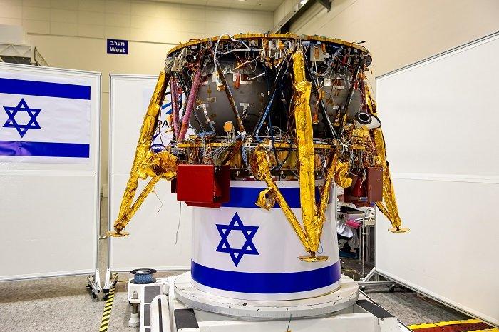 Český spolek přátel Izraele spaceil-sparrow Izrael chce v rámci mise SpaceIL za pět měsíců teprve jako čtvrtá země v historii přistát na Měsíci Novinky Technologie